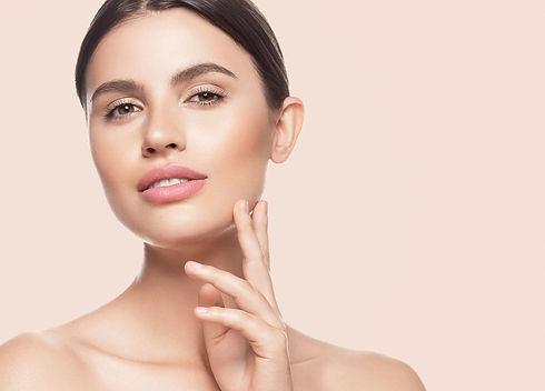 beauty-skin-woman-face-healthy-skin-beautiful-mode-RJD89RB.jpg