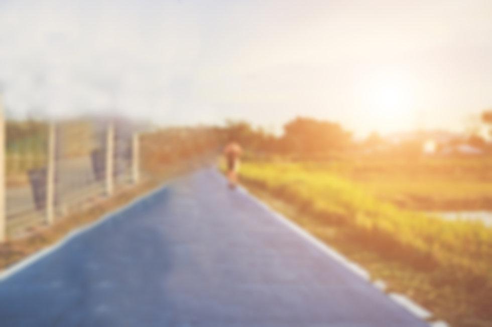 רקע איש רץ.jpg