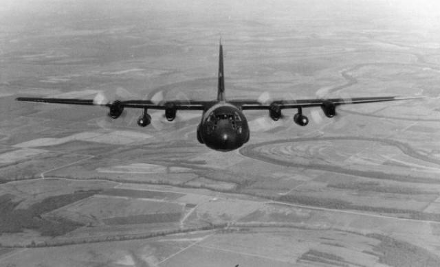 C-130BW_JPG[1]