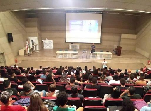 Luiz Santiago ministra aula inaugural em Publicidade