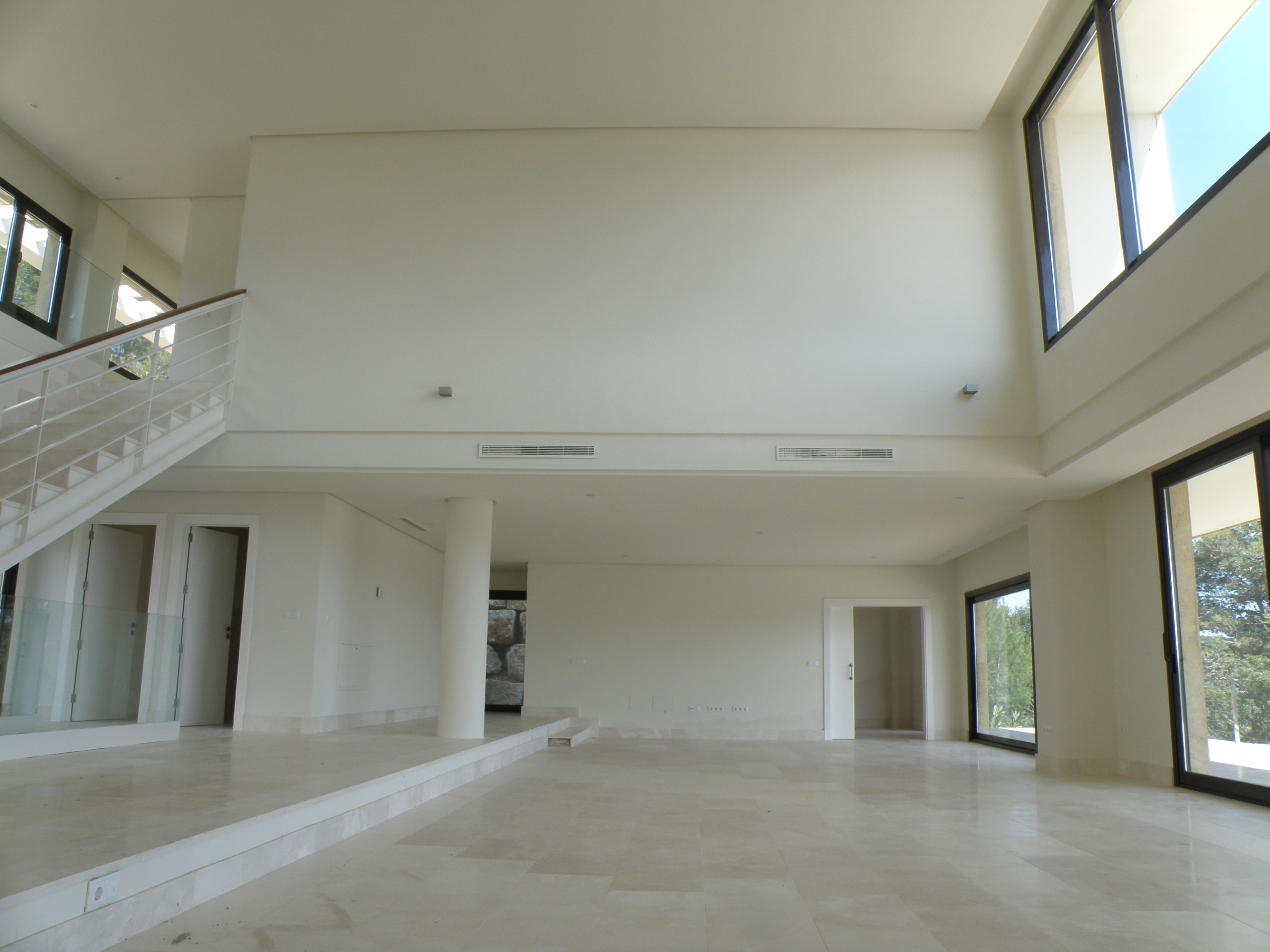 Spacious and bright rooms