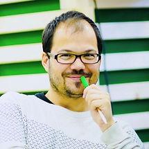 eduardo%20seisdedos_edited.jpg