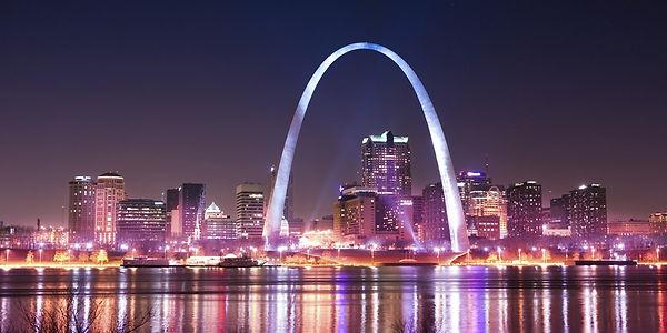 1200px-St_Louis_night_expblend.jpg