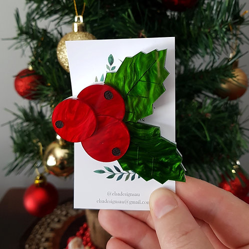 Elsa Designs - Christmas Holly Brooch