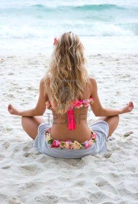blonde-girl-yoga-beach
