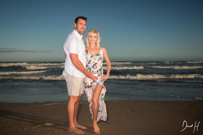 Maternity photoshoot by DHPhotography