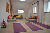 La salle d'activités de La Melinothe peut accueillir des groupes de psychotherapie, de yoga, de jeûne, de detox, de chant, ou d'activités pour lesquelles partage, concentration, meditation, retour sur soi sont favorisés.