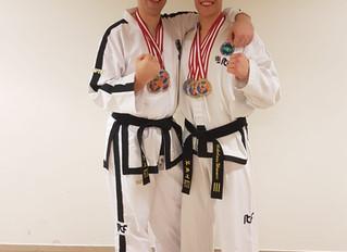 Doppelt Gold bei Kickbox-Staatsmeisterschaft