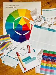Bei Lamy Deutschland kostenloses Unterrichtsmaterial für die Grundschule bestellen zum Thema Füller und Farbkreis