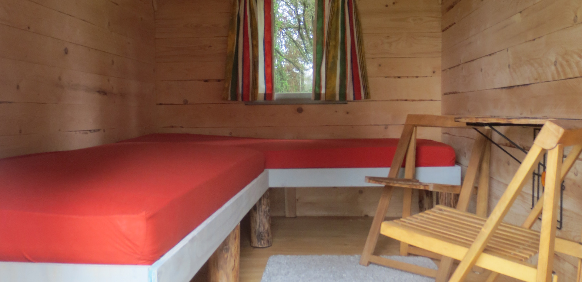 cabin for 2 on the place.JPG