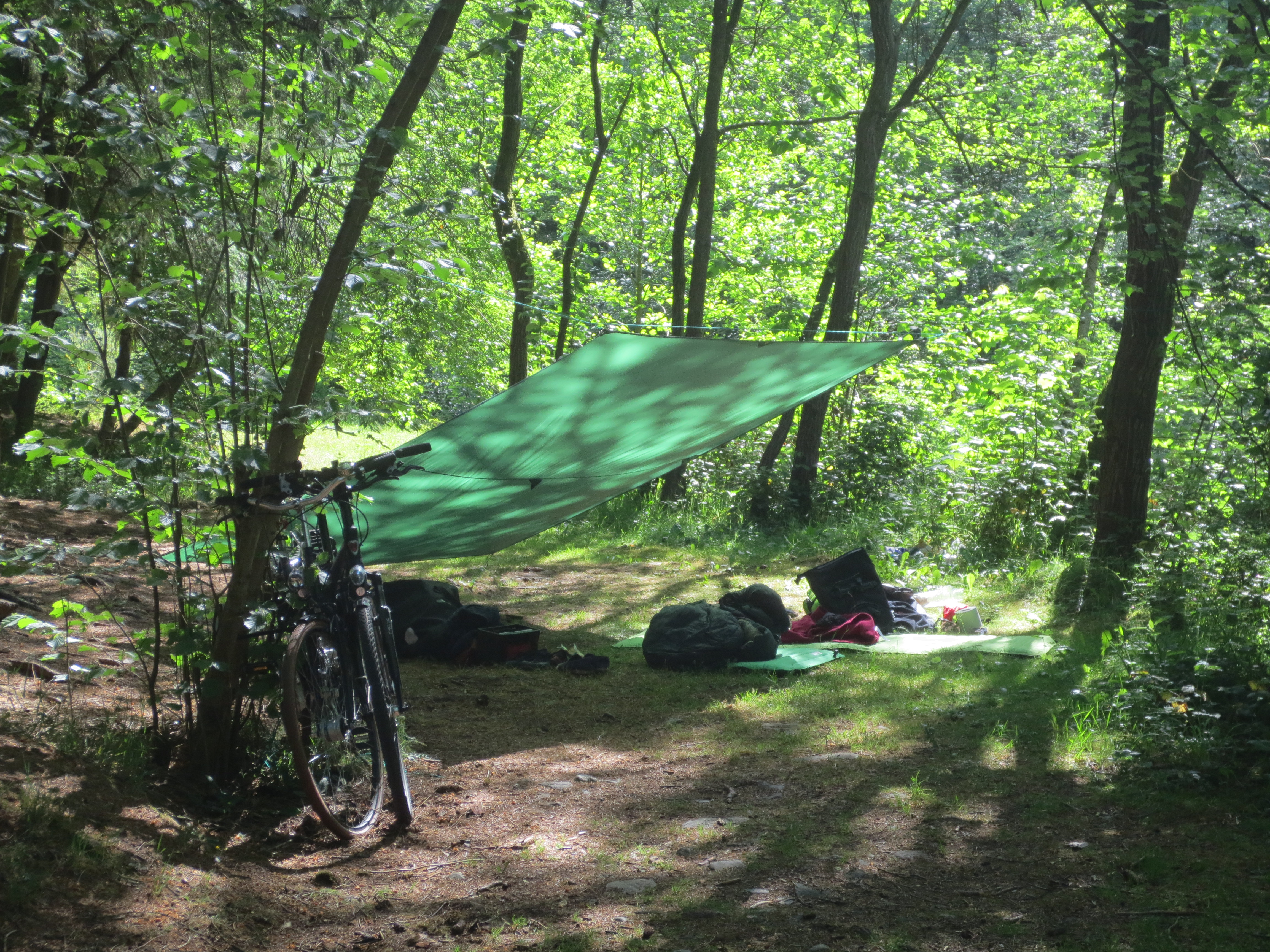 tarp and bicycle camping wesertal