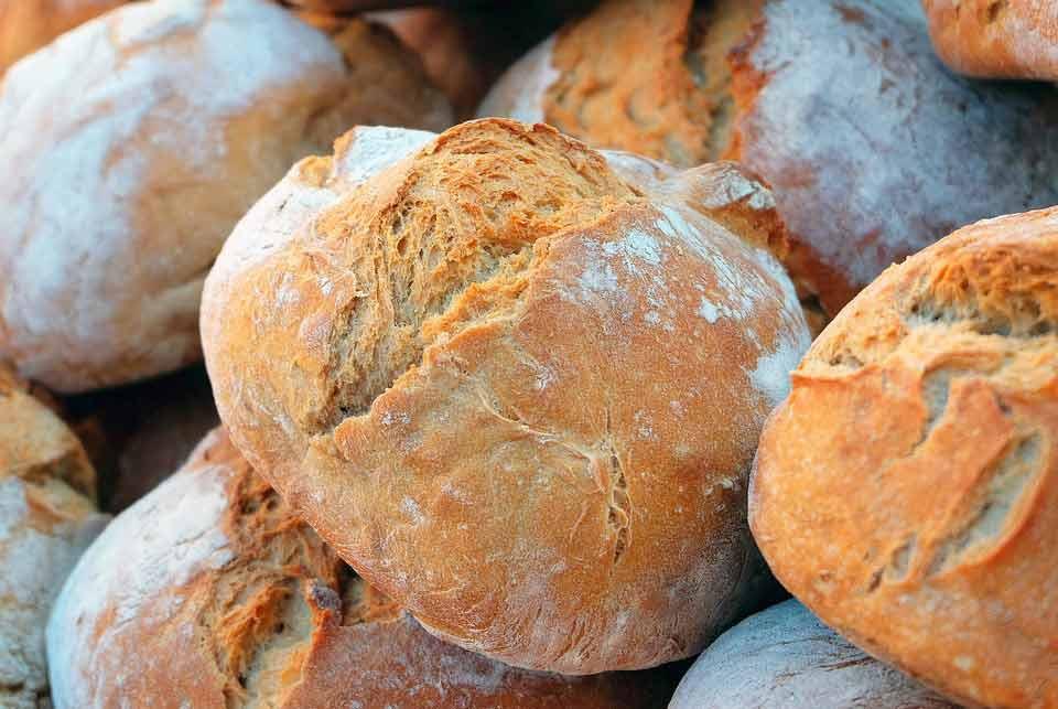 Pan en las comidas