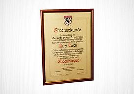 Urkundenrahmen Dr. Grazer + Co.