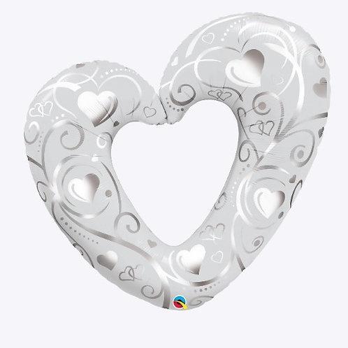 """Coração vazado arabescos branco e prata 42"""" UNIDADE (Qualatex)"""