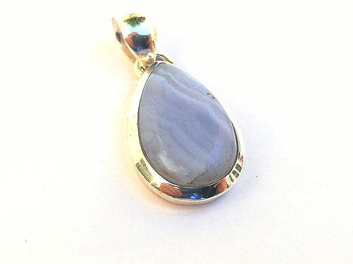 Ágata azul colgante de plata.