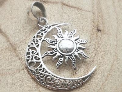 Colgante de plata sol y luna