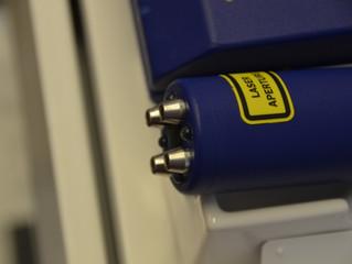 Laserbehandling på brudd i skulder.