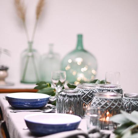 Inspiration : une table de noël en bleu et vert doux