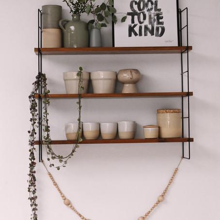 Conseils pour décorer joliment une étagère