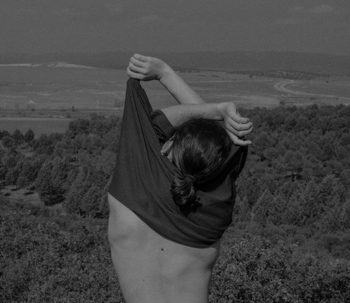 Y que surja de entre el hueco el sentido de la pausa