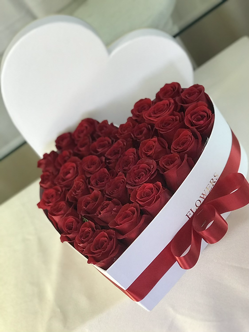 BOXED ROSES-RED AND WHITE