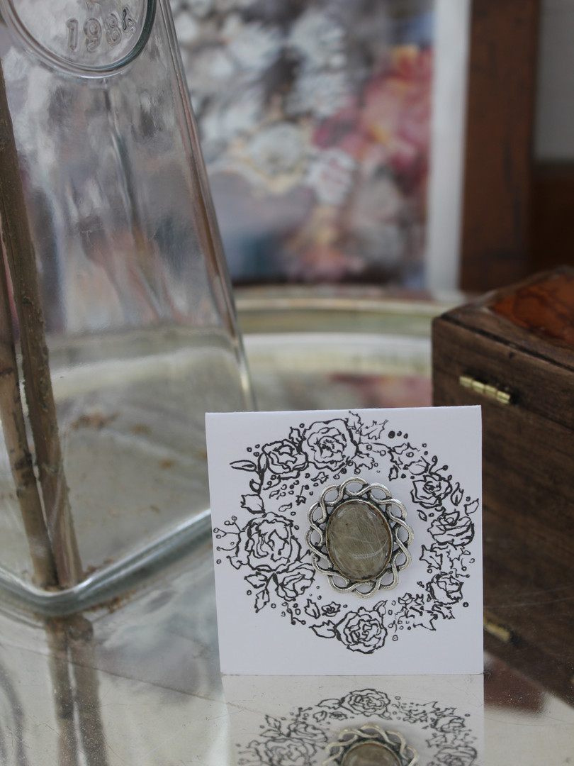 'Resin Ring Wreath' Packaging Design