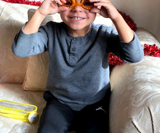 IWL Donates Swim Lessons & Goggles