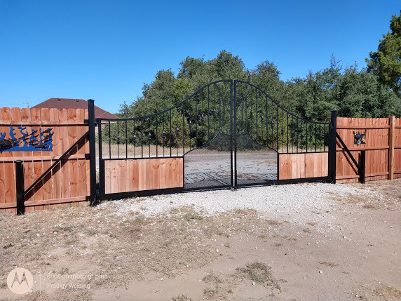 belltop-gate-black-paint.jpg