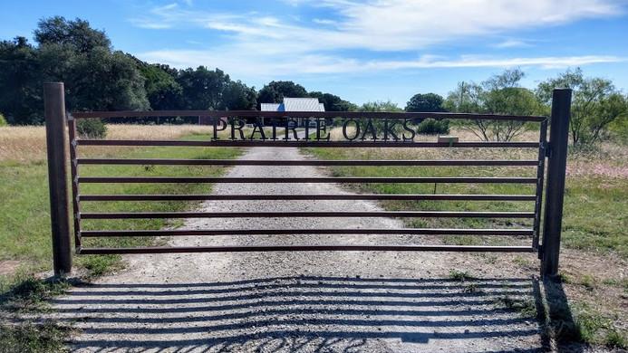 prairie-oaks-16foot-gate.jpg