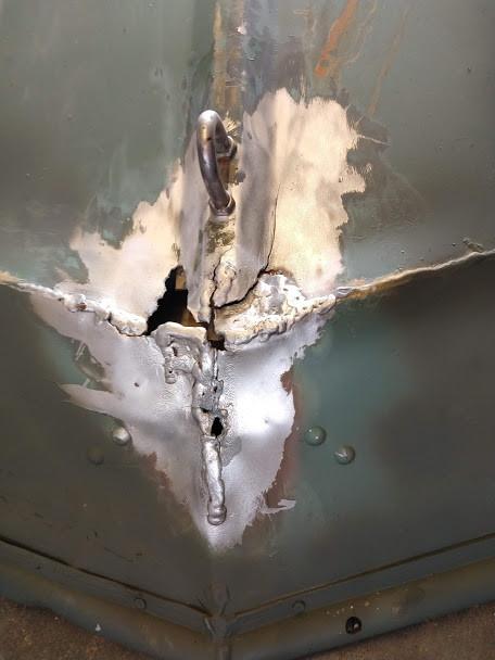 damaged-aluminum-hull.jpg