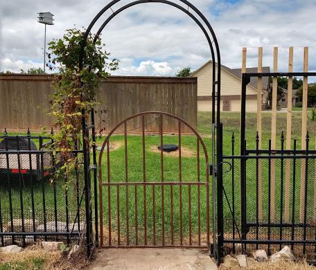small-arch-gate.jpg