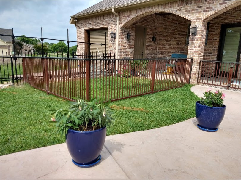 small-fence.jpg