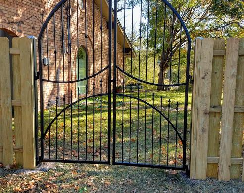 arch-gate-installed.jpg