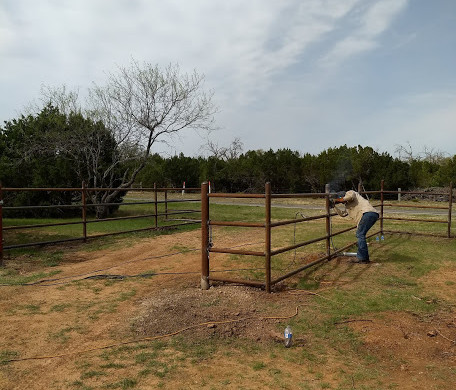 pipe-fence-install.jpg