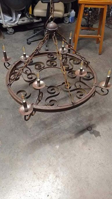 round_chandelier_top.jpg