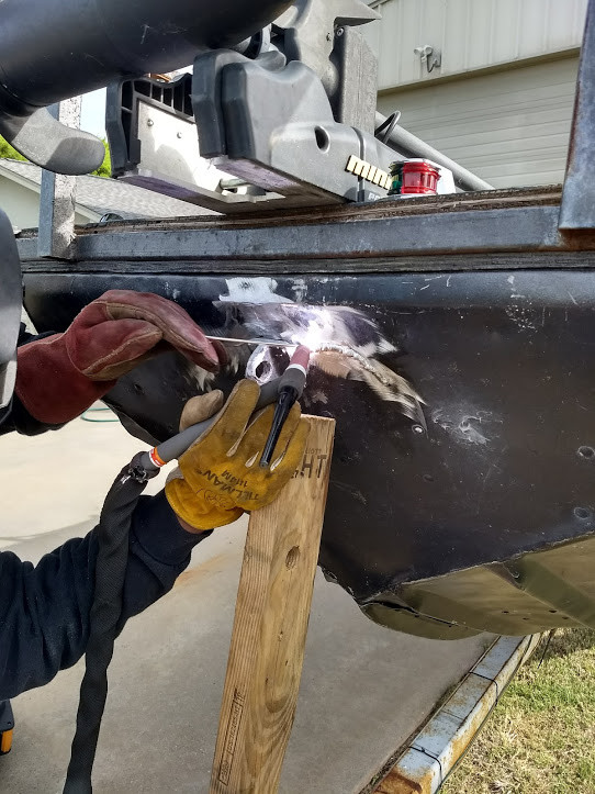 Aluminum-Hull-Repair-1.jpg
