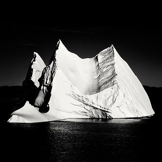 icebergphotofromweb.jpg