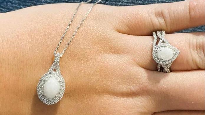Elsa Necklace - White Sapphire