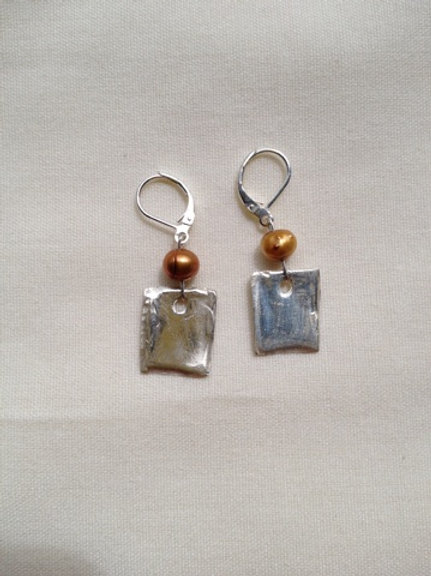 Silver and bronze earring