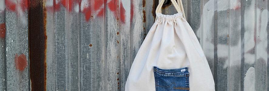 Mochila reciclada con bolsillo