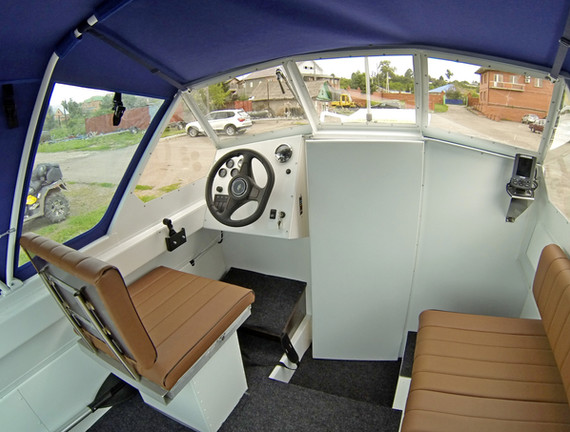 салон катера Бриз 580