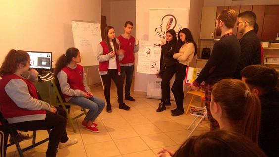 Po vjen 8 Marsi, Youthclub organizon idetë