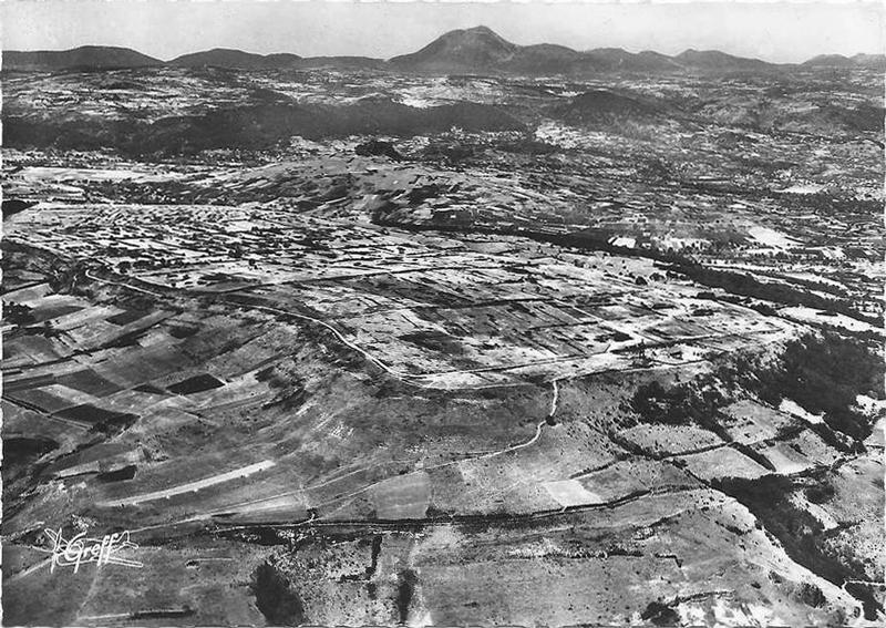 plateau_de_gergovie_c1950