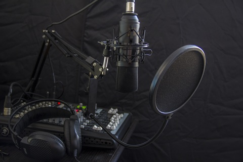 wheel-headphone-vehicle-equipment-microphone-studio-911674-pxhere.com