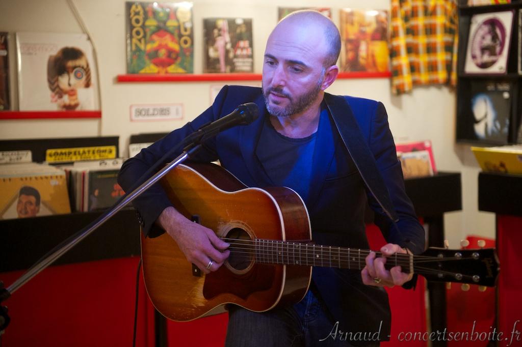Frederic-Nevchehirlian-Lollipop-Music-Store-Marseille-20-04-2013-10