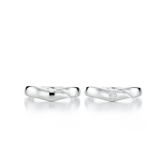 Love Moment Round Dented Line Zirconia Silver Ring Set