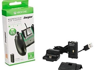 Energizer Xbox One Magnetic Play and Charge Charger with Rechargeable Battery Pack