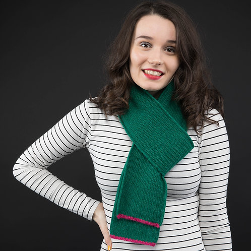 Mid skinny dark green scarf with pink edge