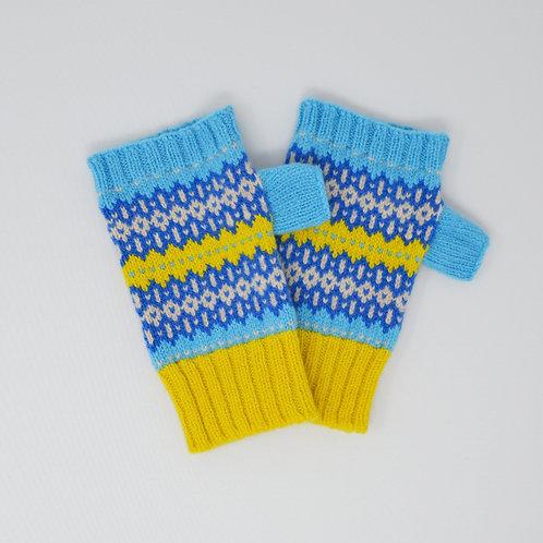 Blue/yellow zig zag Hobby pattern gloves
