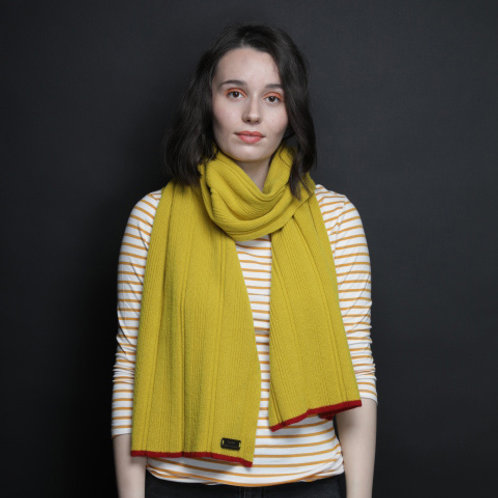 Yellow Fine Lambswool scarf with red edge